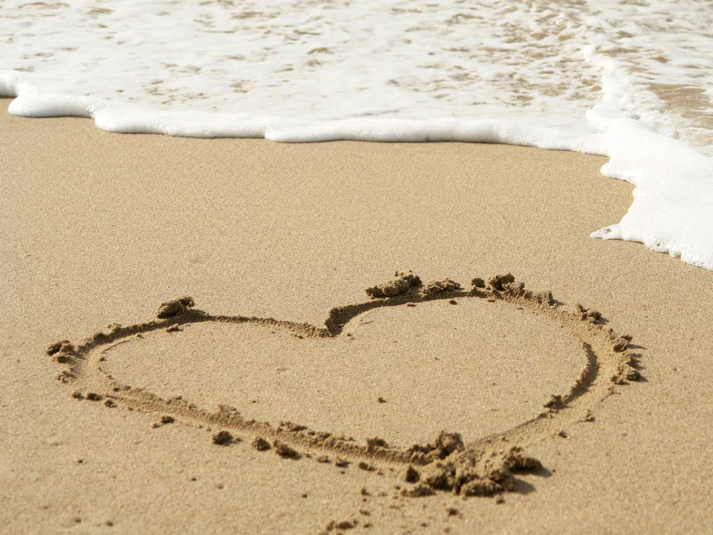 heart-in-sand 1